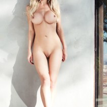 lindsey-knight_amateurs_home-body-12