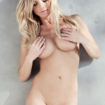 lindsey-knight_amateurs_home-body-13