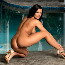 kory-lyn-nude-digher-pool-time-31