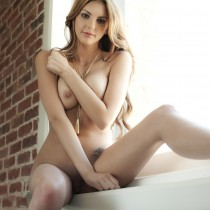 adrianna-adams-playboy-amateur-19