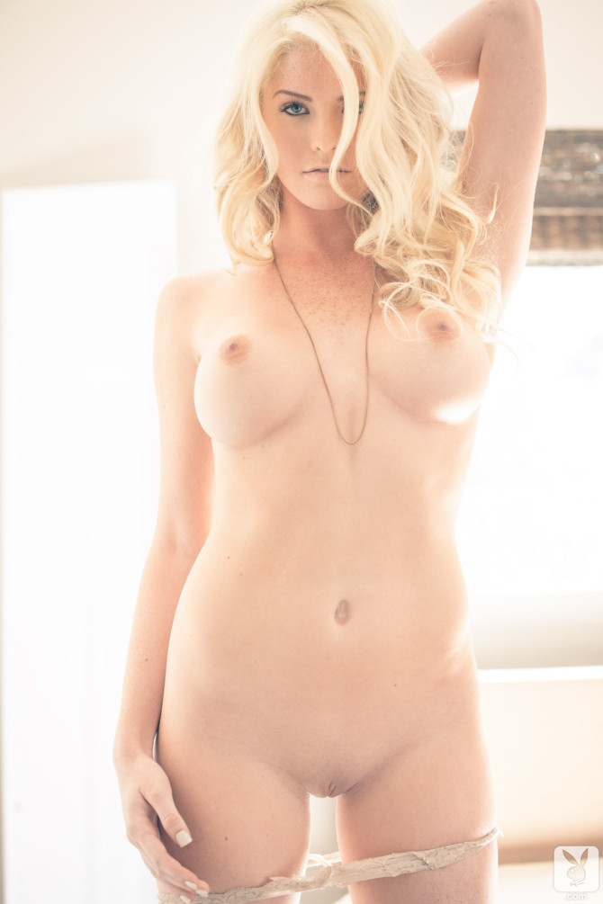 carly-lauren-playboy-amateur-12