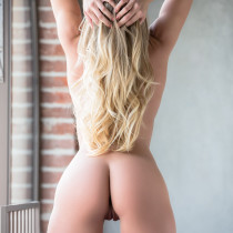 traci-denee-ready-for-action-playboy-cybergirl-15