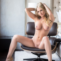 traci-denee-ready-for-action-playboy-cybergirl-21