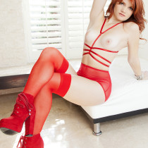 ariel-ryan-showing-us-how-red-is-done-10