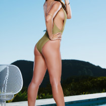 casey-connelly-takes-it-all-off-by-the-pool-playboy-cybergirl-02