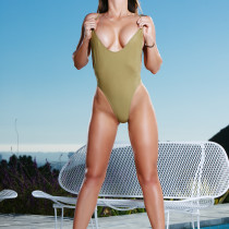 casey-connelly-takes-it-all-off-by-the-pool-playboy-cybergirl-07