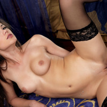 caprice-girl-is-true-blue-19