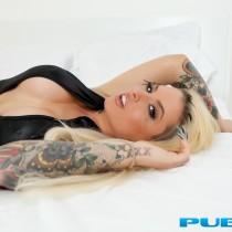 christy-mack-nude-bed-seduction-04