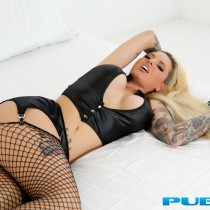 christy-mack-nude-bed-seduction-08