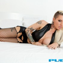 christy-mack-nude-bed-seduction-11