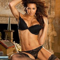 angela-taylor-nude-flow-with-her-05