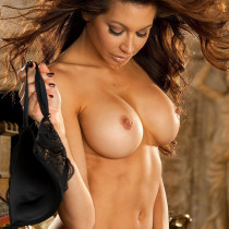 angela-taylor-nude-flow-with-her-07