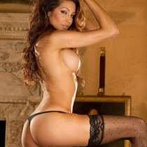 angela-taylor-nude-flow-with-her-10