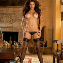 angela-taylor-nude-flow-with-her-12