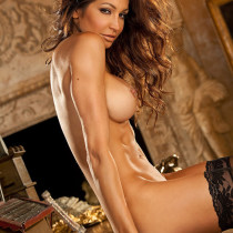 angela-taylor-nude-flow-with-her-17