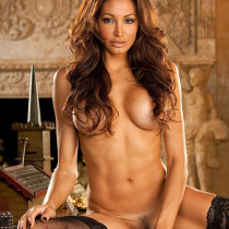 angela-taylor-nude-flow-with-her-19