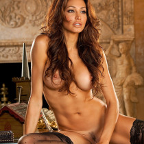 angela-taylor-nude-flow-with-her-20