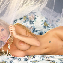 brande-nicole-roderick-nude-playmate-of-the-year-2001-18