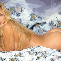 brande-nicole-roderick-nude-playmate-of-the-year-2001-19