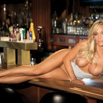 heather-knox-playmate-of-the-month-january-2012-06