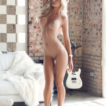 morgan-reese-nude-in-the-spot-27