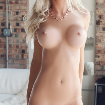 morgan-reese-nude-in-the-spot-29