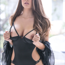 shelby-chesnes-nude-modern-woman-009