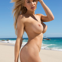 dani-mathers-nude-day-in-cabo-13