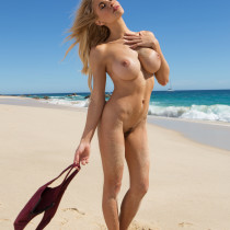 dani-mathers-nude-day-in-cabo-15