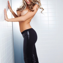 lexi-marlow-nude-all-black-everything-09