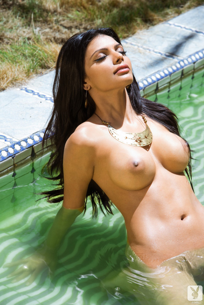 sherlyn-chopra-nude-bollywood-goddess-02