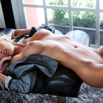 sara-jean-underwood-nude-attack-of-the-show-24