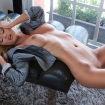 sara-jean-underwood-nude-attack-of-the-show-25