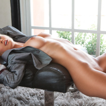 sara-jean-underwood-nude-attack-of-the-show-27