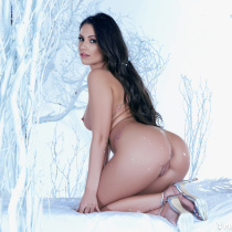candace-leilani-nude-winter-queen-11