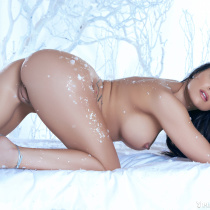 candace-leilani-nude-winter-queen-15