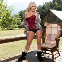 kellie-smith-nude-country-morning-08