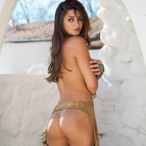 chelsie-aryn-nude-once-upon-west-10
