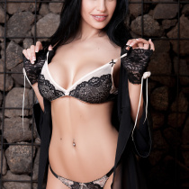 laura-cattay-nude-private-show-02