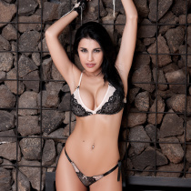 laura-cattay-nude-private-show-04