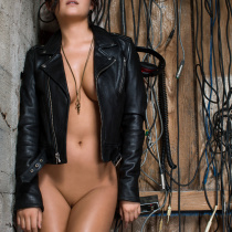 alexandra-tyler-nude-almost-famous-12