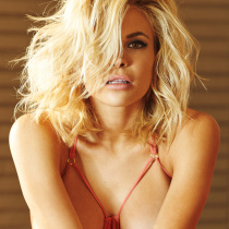 dani-mathers-nude-digher-playmate-of-the-year-2015-03